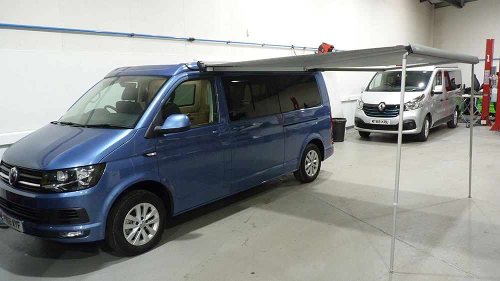 VW T6 LWB Exterior - Thule 3m Wind Out Awning