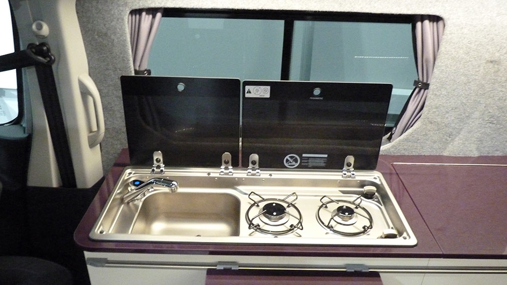 Renault Trafic SWB Interior - Sink/Hob Combination