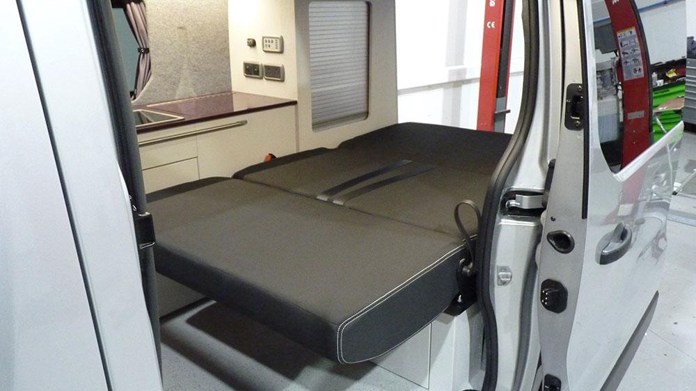 Renault Trafic SWB Interior - Rib112 Seat/Bed