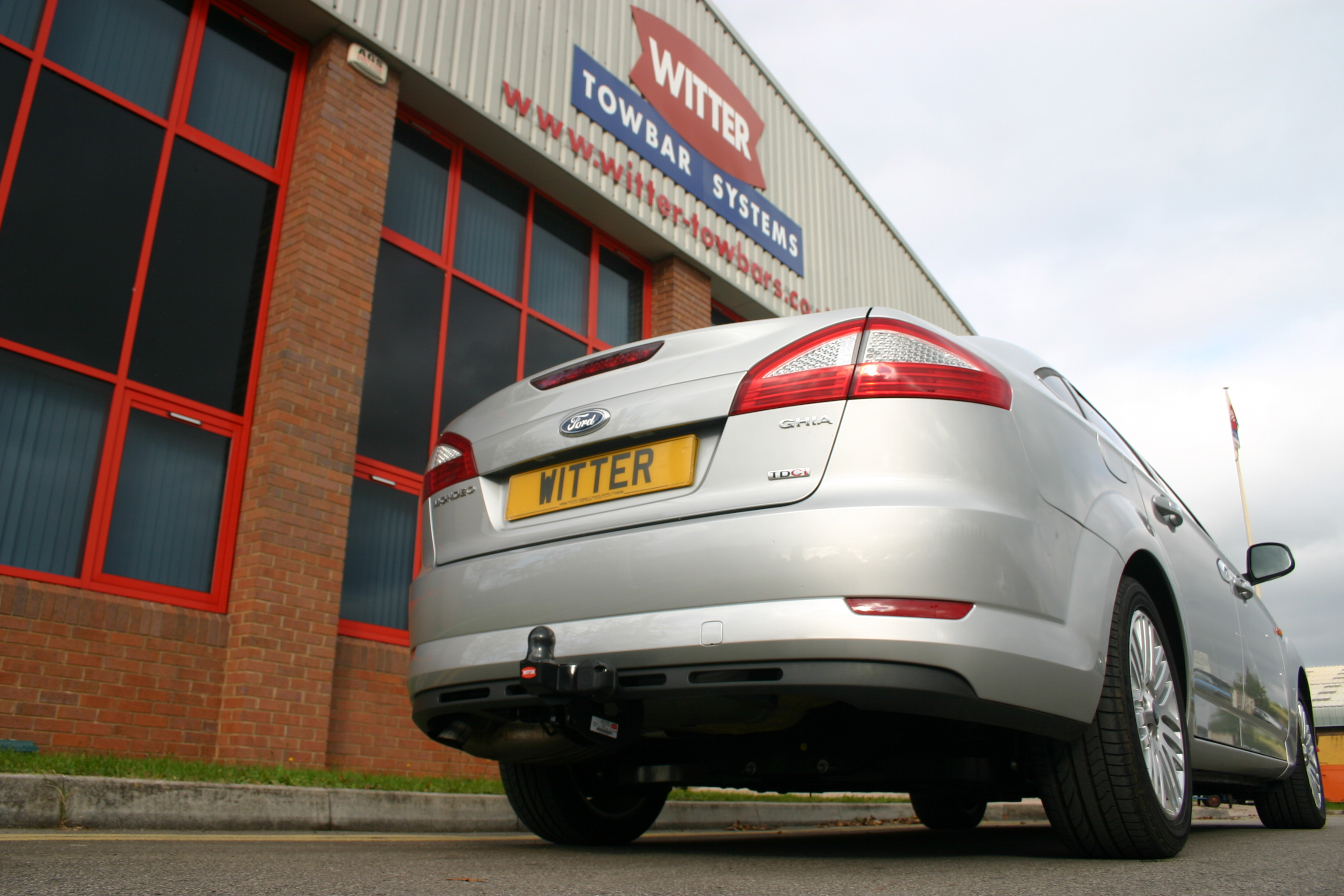 Ford Mondeo Hatchback 2007 2015 Witter Flange Tow Bar Wiring Diagram Towbar